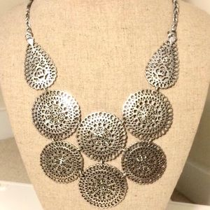 Stella &Dot necklace